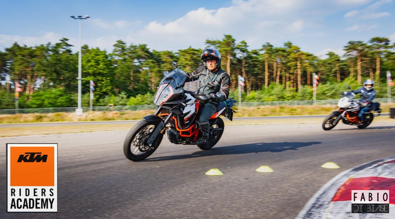 Motortraining Motocare - KTM Riders Academy